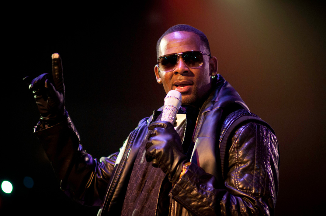 The Latest Update On R&B Singer R. Kelly Evicted From His ...