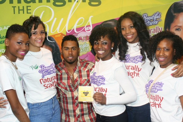 Bobby Valentino at SON booth 2.23
