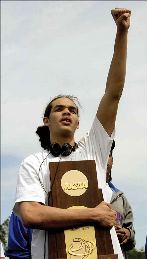 #FlashbackFriday: Joakim Noah Title Run at UF; Becomes One of Best Centers in the NBA | STACKS ...