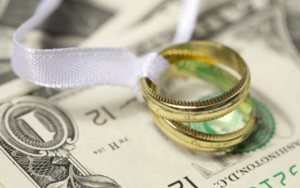money-mistakes-to-avoid-in-your-marriage-620x412