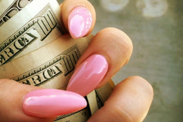 nails_money2